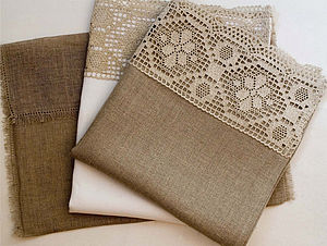 Lacy Linen Guest Towels Gift Set