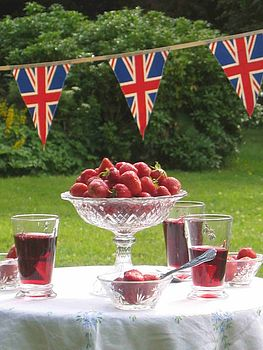 British Strawberry Bunting