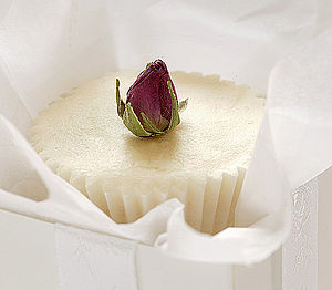 Rosebud Buttercup Bath Cream Favour - wedding favours