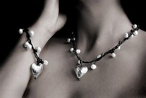 Pearl Necklace & Bracelet Set w.Silver Heart - jewellery sets