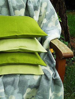 Cushion LightGreen and RFGreen