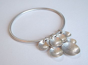 Oval dish bangle