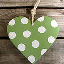 spotty heart_moss green