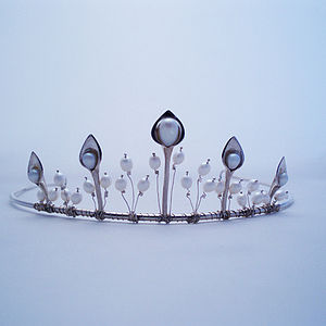Tiara silver lily with pearls - wedding fashion