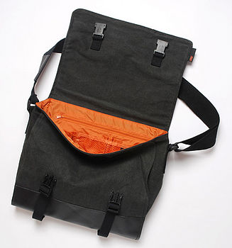 navigator bag charcoal inside