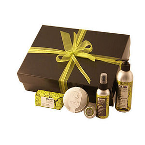 Revitalise Aromatherapy Gift Set - beauty & pampering
