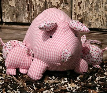 Fabric Toy Pig with Piglets