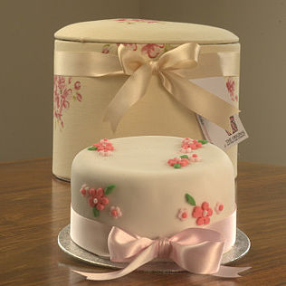rose pattern cake cream