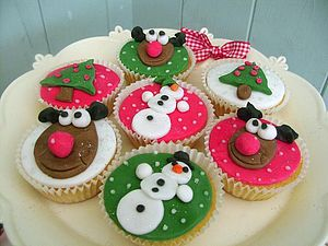 12 Rudolph and Frosty Christmas Cupcakes - cakes & treats