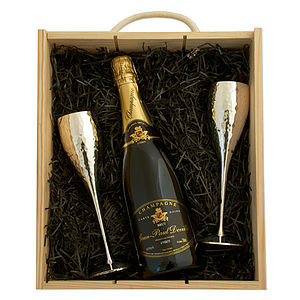 Champagne and Flutes - anniversary gifts