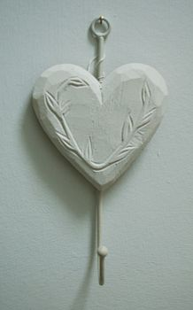 White heart hook