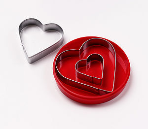 Set of 3 Cookie Cutters in a heart shape - children's cooking