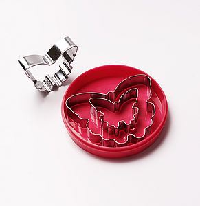 Set of 3 cookie cutters in a butterfly shape