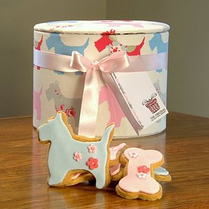 Scottie Dog Cookie Hat Box - biscuits