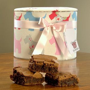 Scottie Dog Brownie Hat Box - cakes & treats