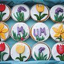 12 Spring Flower Cupcakes