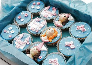 12 Little Princess Cupcakes - cakes