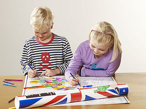 Colour In UK Map Poster Art Kit With 20 Pens - toys & games