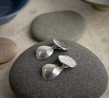 Cockle cufflinks stone1