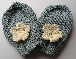 Daisy Mittens - hats, gloves & scarves