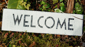 Painted sign 'Welcome'