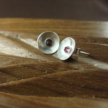 Joanne_Tinley_Jewellery_Rose_red_stud_earrings_1