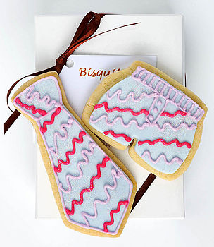 Tie and Boxer Biscuit Gift Set lilac and pink stripes