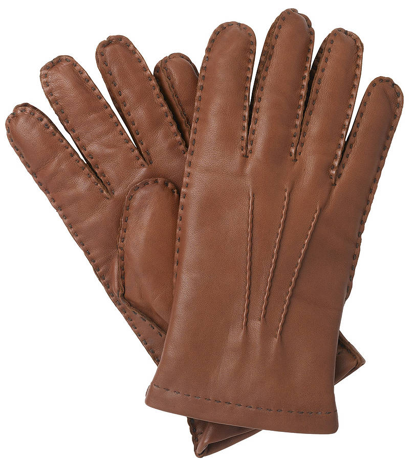 These are the quintessential brown leather driving gloves for gentlemen who enjoy being fashionable during the cold season. Brilliantly constructed men's driving gloves should conform to the hands, while allowing the wearer to negotiate movements involving grip, detailed work, and personal tasks.