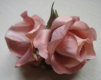 Small twin flower corsage