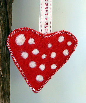 Red dots shaker letter ribbon