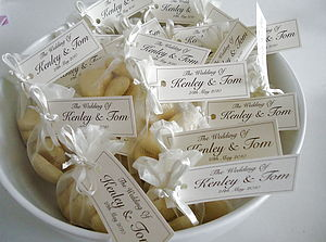 20 Wedding Favour Organza Bags - chocolates