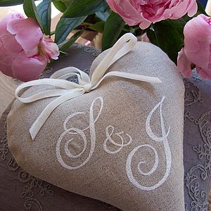 Double Monogrammed Heart - 4th anniversary: linen