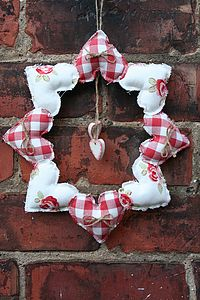 Handmade 8 Heart Wreath - flowers & plants