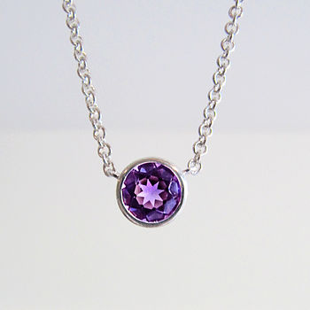 Amethyst-silver-necklace-close