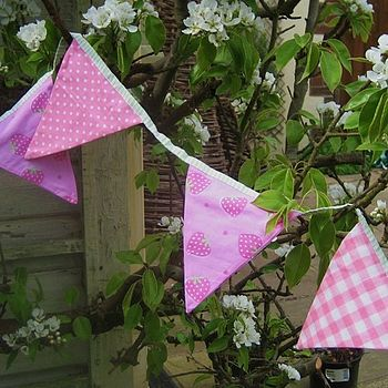 Yummy strawberry bunting