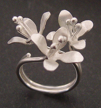 White lilies ring - zw 2