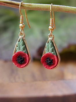 Gold poppy drop Earring: gold plated