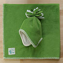 Pea fleece hat & blanket set