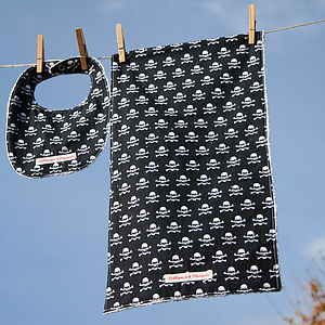 Skulls And Crossbones Bib And Burpcloth Set - baby care