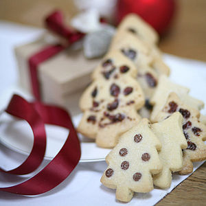 Biscuit Box Of Christmas Tree Shortbread - biscuits