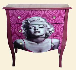Audrey Hepburn / Marilyn Monroe Chest - furniture