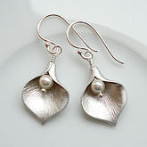 Calla Lily Earrings - anniversary gifts