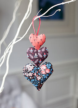Hanging Hearts Sewing Kit: finished hearts.