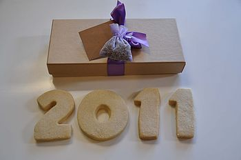 Biscuit New Year 2011 Shortbread Box