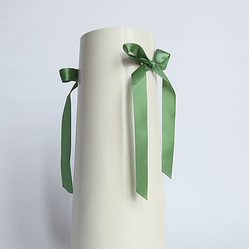 C:\fakepath\green ribbon vase 4