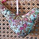 plain bird (pastels)