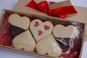 Celebration Heart Biscuit Box Shortbread - cakes & sweet treats