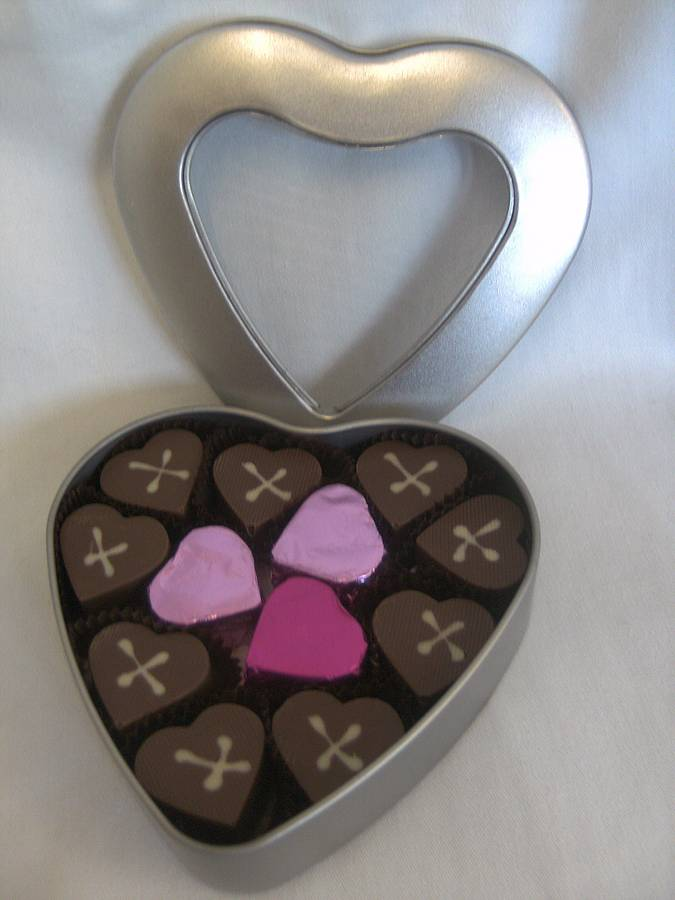 Chocolala Heart Milk Chocolate Pralines In A Heart Tin