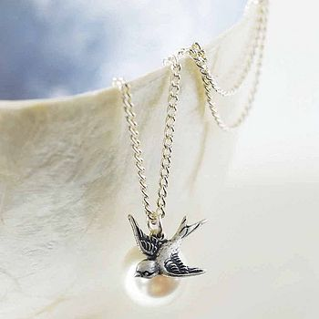 Pearl And Bird Necklace