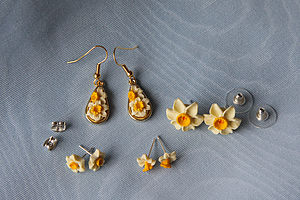 Daffodil Earrings - earrings